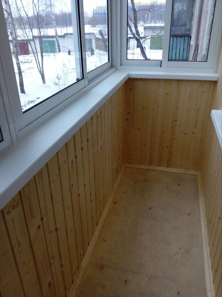 Остекление балкона и отделка деревянной выгонкой. Фото 4