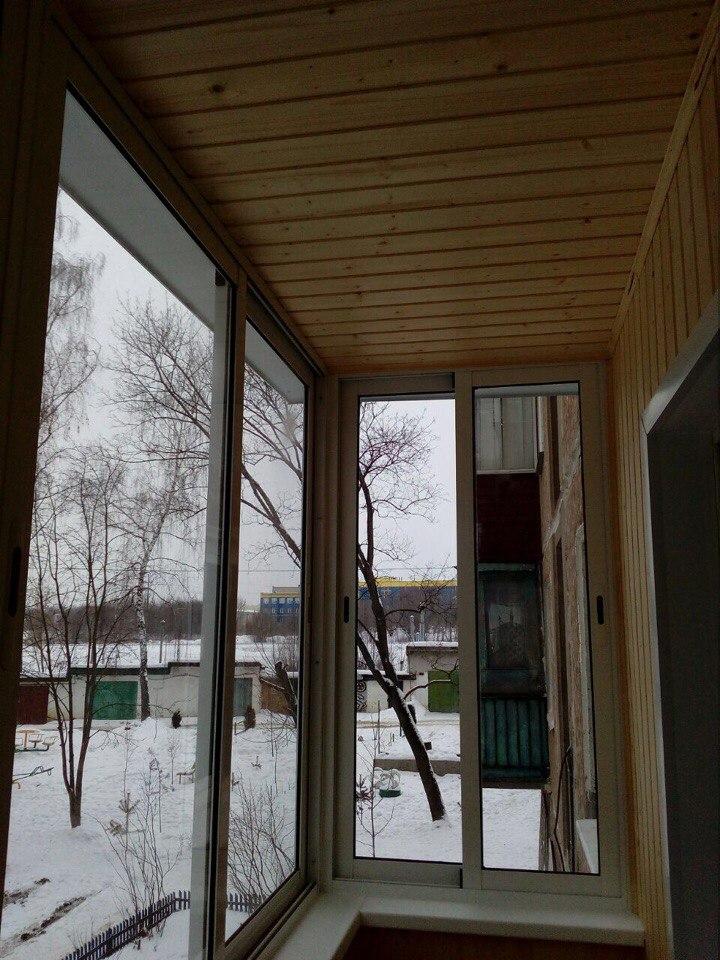 Остекление балкона и отделка деревянной выгонкой. Фото 5