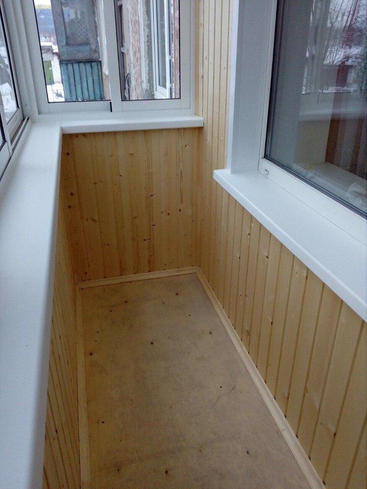 Остекление балкона и отделка деревянной выгонкой. Фото 6